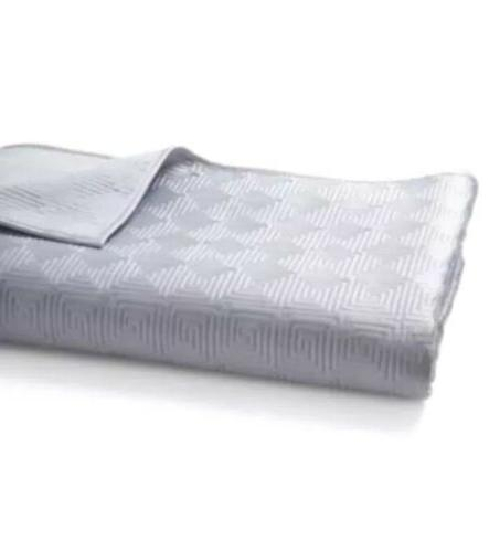 dobby quilted king coverlet and 2 stand